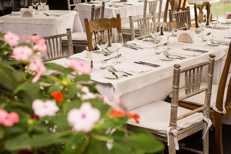 Museo-Larco-Cafe-Restaurant_terraza-detalle-mesa